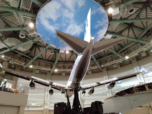 航空科学博物館の内部(B747-400の下部)