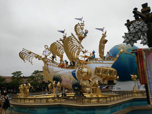 東京ディズニーシー(入口のオブジェ)