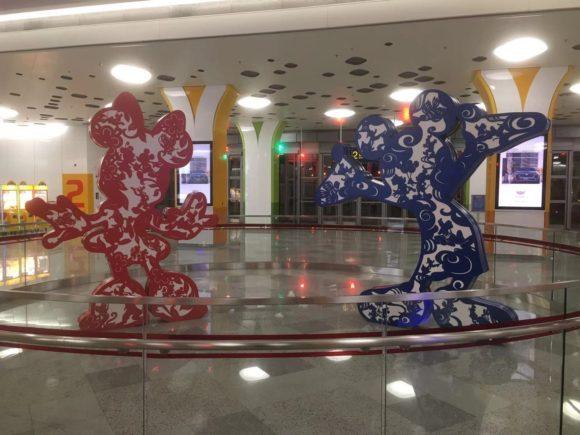 上海ディズニーの駅にあるモニュメント